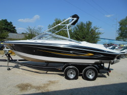 2006 - Crownline Boats - 220 LS